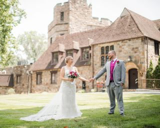 Imagine celebrating your wedding at a castle?! Megan and Seth did just that during their perfect wedding day at @stokesay_castle#wedding #weddingdress #weddingphotography #weddingphotographer #weddingday #weddinginspiration #weddingphotos #photography #photooftheday #photoshoot #photographer #photoshop #photographylovers #photographerlife #bride #groom
